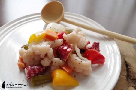 《カリフラワーのピクルス》とタコのピクルスサラダ