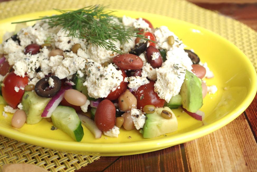 《5種のビーンズピクルス》のギリシャ風サラダ