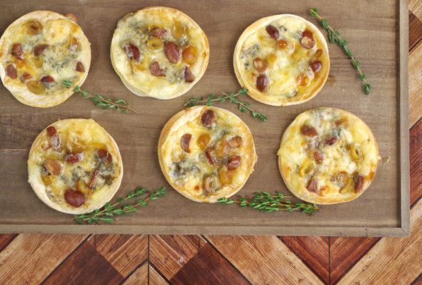 《スモーク銀杏とアーモンドのおつまみピクルス》とブルーチーズの一口ピザ