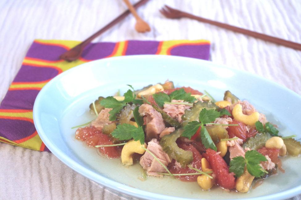 《ゴーヤのピクルス》のエスニック風サラダ